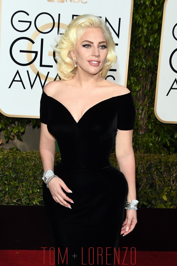 Lady-Gaga-Golden-Globes-2016-Red-Carpet-Fashion-Atelier-Versace-Tom-Lorenzo-Site-1