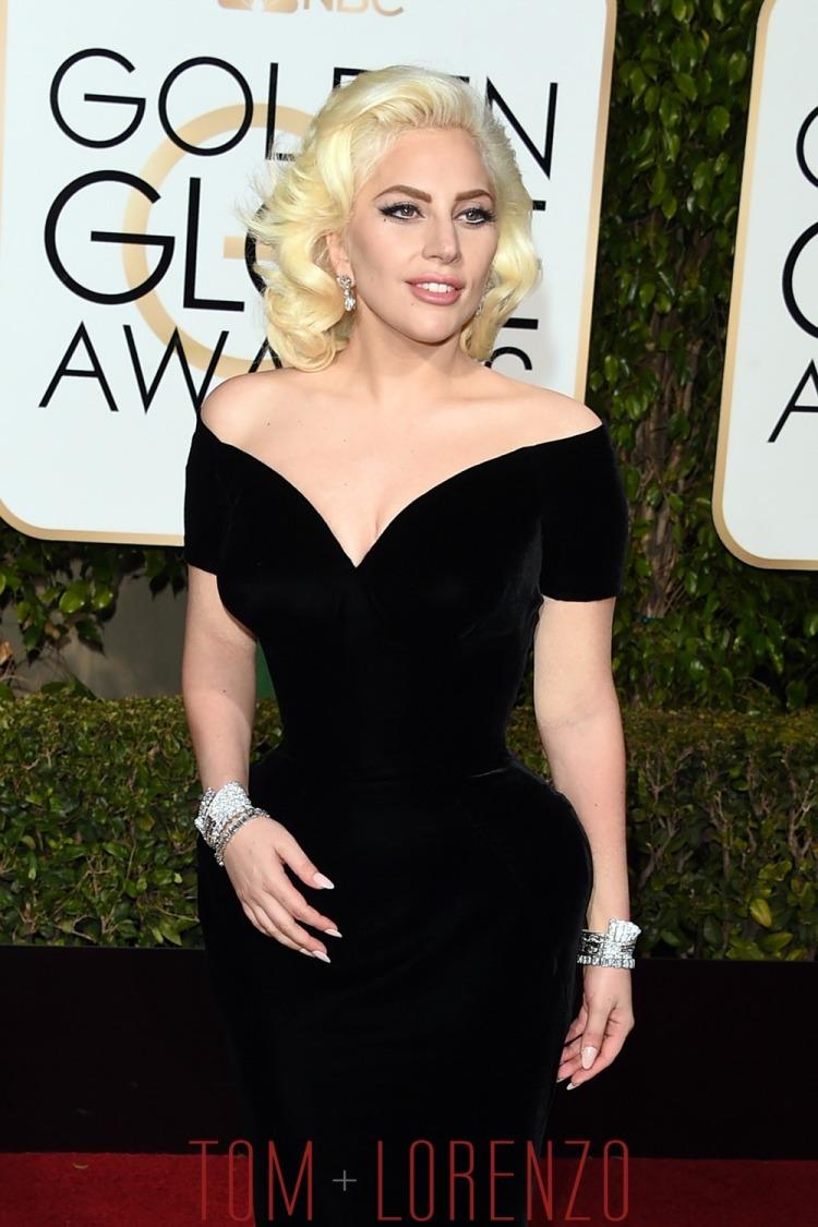 Lady-Gaga-Golden-Globes-2016-Red-Carpet-Fashion-Atelier-Versace-Tom-Lorenzo-Site-1