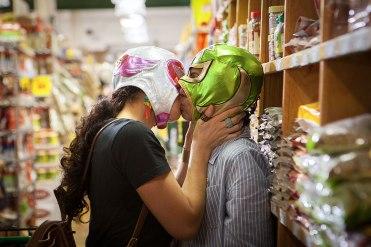 signaturemove_zaynab_and_alma_grocery_store_kiss